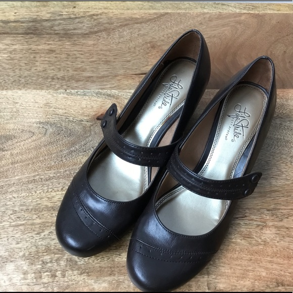 91e20842fab Life Stride Shoes - Life Stride Brown Mary Jane Pumps with low heel
